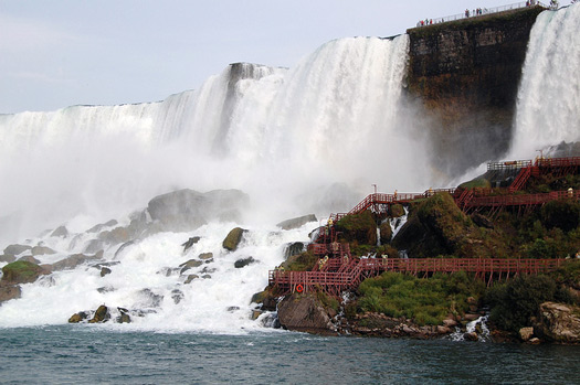 Niagara Falls and the Cave of the Winds. Photo: Jeff Stevens