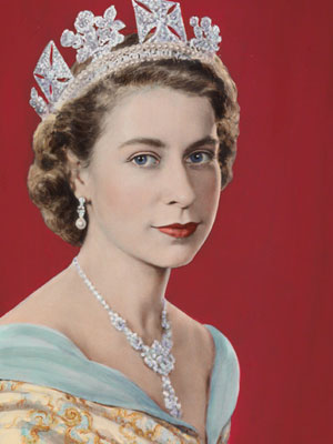 Queen Elizabeth II by Dorothy Wilding (Hand-coloured by Beatrice Johnson), 1952. © William Hustler and Georgina Hustler/ National Portrait Gallery, London