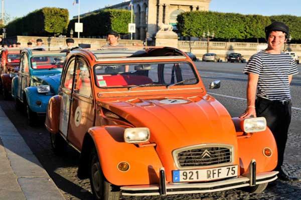 The 2CV screams Parisian chic