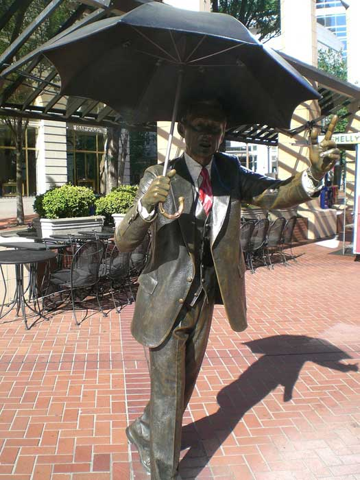 "Another - sunnier - view of the ""Allow Me"" sculpture in Pioneer Square, Portland, Oregon"