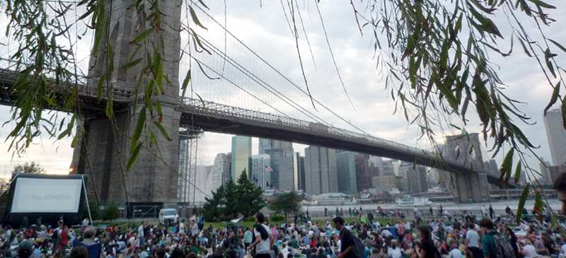 Brooklyn Bridge Park - 5 epic places to watch a film