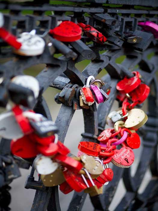 Love padlocks in Moscow