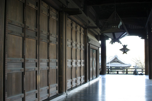 Walkway along the main building at Nishi Honganji, Kyoto, Japan