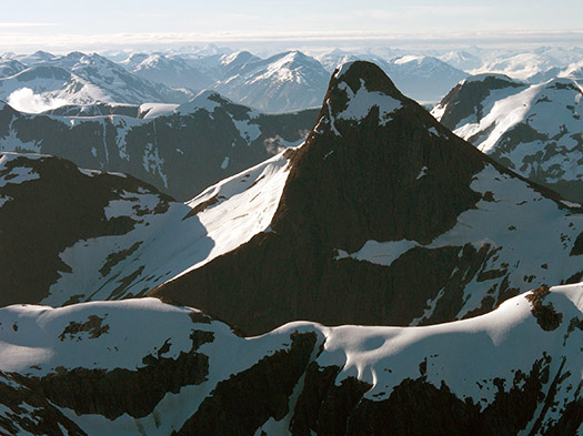 Columbia Mountains - Best helicopter tours in the world