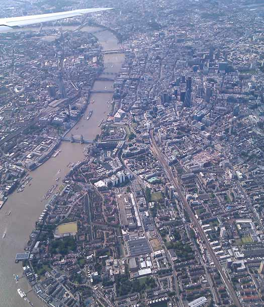 London (D2) - 5 Famous cities from the window seat