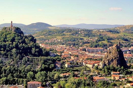 View of Le Puy-en-Velay. Photo by Ben17_34
