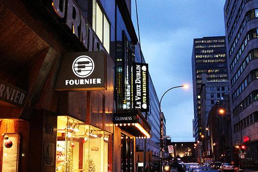 Le Vieux Dublin Pub & Restaurant on Rue Cathcart, Montréal, Canada
