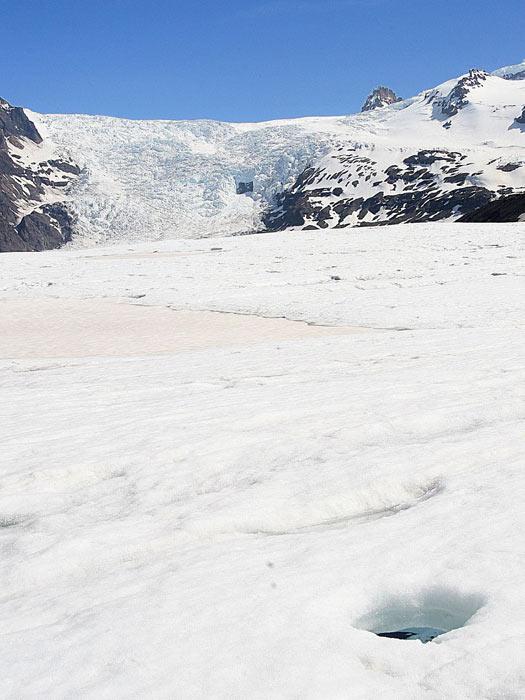 Svinafellsjokull glacier in Skaftafell National Park , Iceland. Photo by Guillaume Baviere