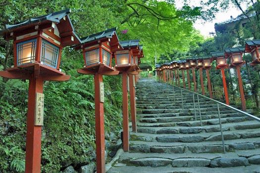 Lanterns at Mt Kurama. Photo by merec0