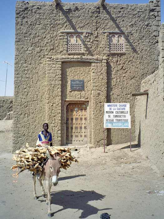 Gordon Laing House, Timbuktu. Photo by upyernoz
