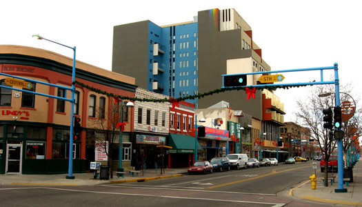 Central Avenue, Albuquerque, New Mexico (Image: kenlund used under a Creative Commons Attribution-ShareAlike license)
