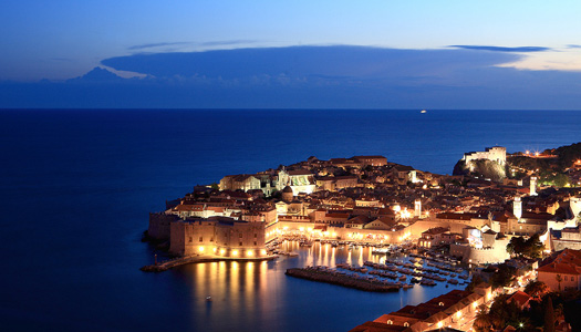 Dubrovnik, Croatia at night (Image: hozinja)