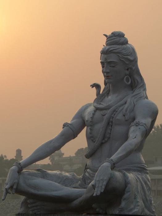 Shiva meditating at Parmarth Niketan on the Ganges River.