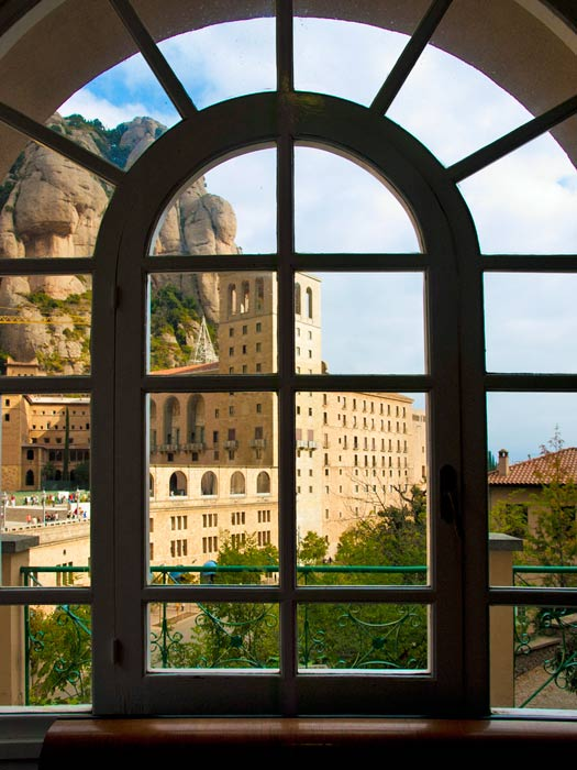 Montserrat, Catalonia, Spain. Photo by jqmj (Queralt)