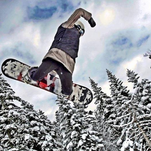 Board grab! Jahorina Mountain, Bosnia. Photo by Ski Sarajevo.