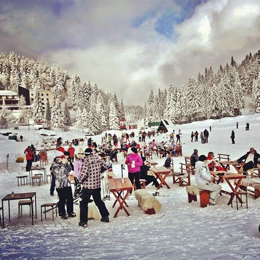 Lunch on Jahorina Mountain, Bosnia. Photo by Ski Sarajevo.