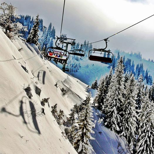 Making the journey to the top of Jahorina. Photo by Ski Sarajevo