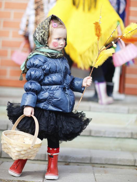 Finland © shalamov/iStock/Thinkstock [http://www.thinkstockphotos.co.uk/image/stock-photo-little-girl-celebrating-easter/178721990/]