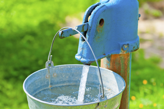 Poland © kosmos111/iStock/Thinkstock [http://www.thinkstockphotos.co.uk/image/stock-photo-old-rusty-wheel-and-a-bucket-of-clean-water/475211131]