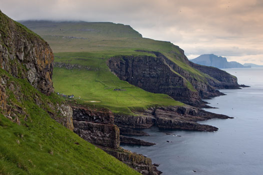 Faroe Islands © spumador/iStock/Thinkstock (http://www.thinkstockphotos.co.uk/image/stock-photo-green-meadows-and-giant-sea-cliffs/136614309)