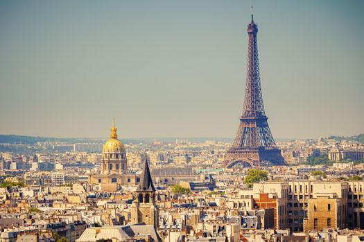 Paris © Sergey Borisov/iStock/Thinkstock (http://www.thinkstockphotos.co.uk/image/stock-photo-eiffel-tower/153055856)