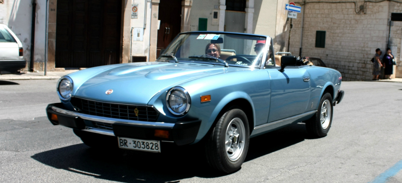 7 zippy, vroomy car tours of European cities