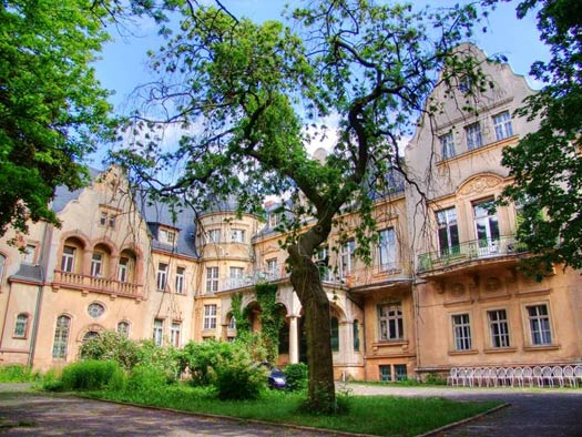 The location of Swing Castle Camp: Beesenstedt Castle, Germany. Photo: facebook.com/swingcastlecamp