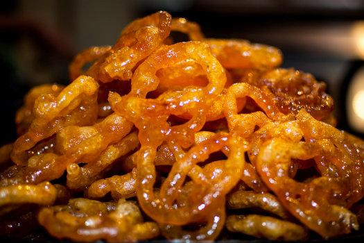 Jalebi – Tastiest street food in Mumbai  Jalebi © Rishabh Mathur/Flickr (https://www.flickr.com/photos/rishabh_m/8853006488)