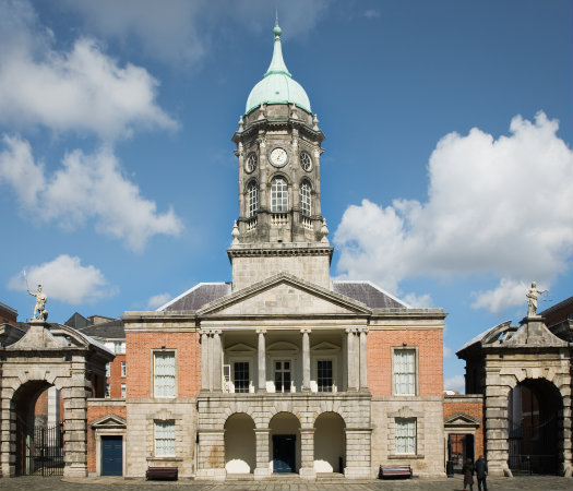 Dublin © David Dear/iStock/Thinkstock (http://www.thinkstockphotos.co.uk/image/stock-photo-bedford-tower-dublin-castle-ireland/155258057
