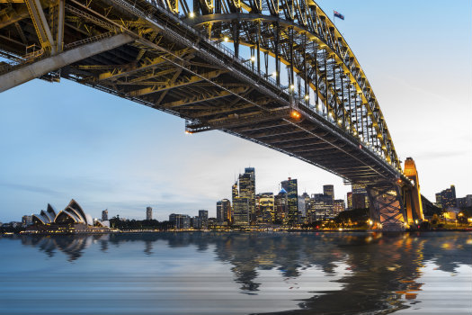 Sydney © Jupiterimages/iStock/Thinkstock (http://www.thinkstockphotos.co.uk/image/stock-photo-dramatic-panoramic-sunset-photo-sydney/487329261/)