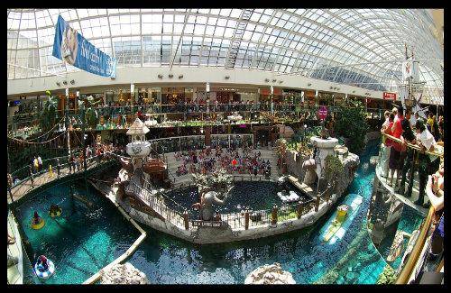 West Edmonton Mall (Image: Kurt Bauschardt used under a Creative Commons Attribution-ShareAlike license)