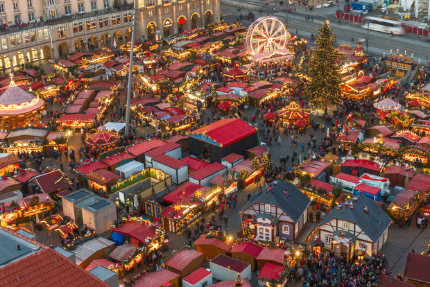 Christmas comes alive in Dresden's Christmas market