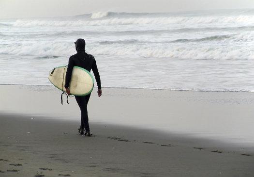 Pedro Point © IRCrockett/iStock/Thinkstock http://www.thinkstockphotos.co.uk/image/stock-photo-never-too-cold-to-surf/176872061